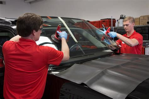 windshield damage   choose  repair