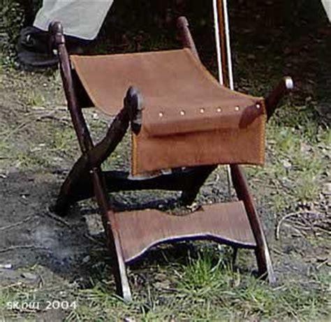 mittelalter stuhl totus floreo mittelalterliche gewandungen brettchenborte