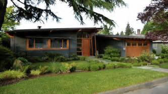 Exterior Painting Vancouver - 1958 home gets a modern renovation