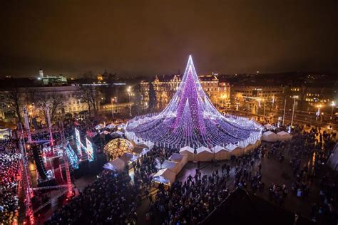 spectacular christmas tree in vilnius features 70 000