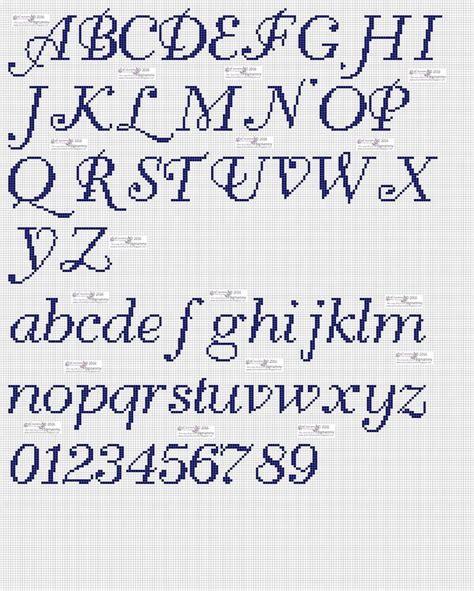 punto croce lettere in corsivo oltre 25 fantastiche idee su lettere in corsivo su