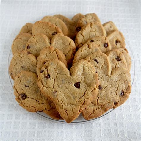 shaped cookies shaped chocolate chip cookies www imgkid the