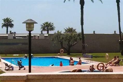 habitacion doble en piso compartido  piscina cubelles barcelona home