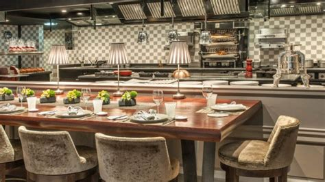 restaurant cuisine ouverte restaurant jo 235 l robuchon in monaco restaurant reviews