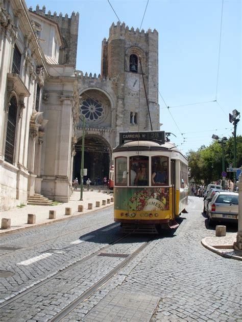 turisti per caso lisbona lisbona tram 28 viaggi vacanze e turismo turisti per caso