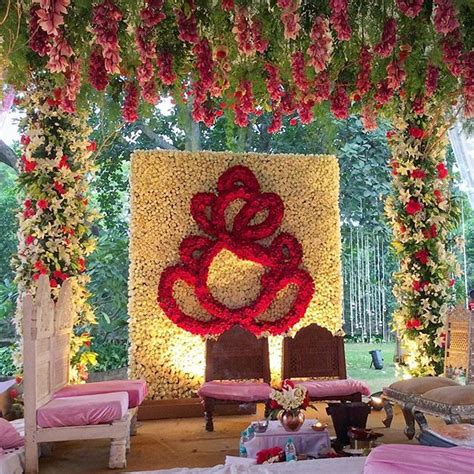 indian wedding flower decoration photos 103 best images about wedding ideas on tissue paper flowers wedding and crepe paper
