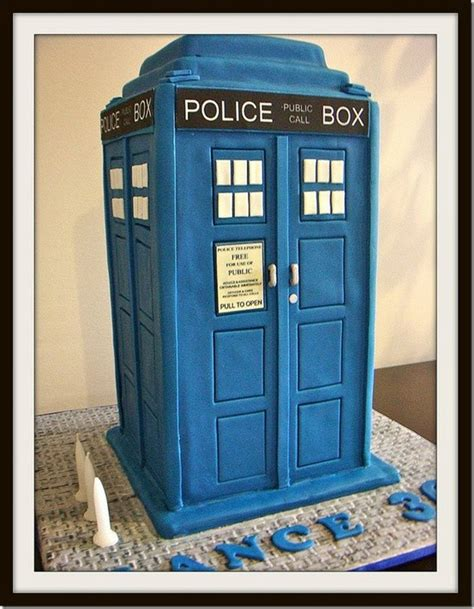 Tardis Template For Cake by 220 Ber 1 000 Ideen Zu Tardis Cake Auf Doctor