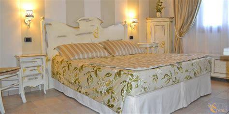 Amazing Arredamento Provenzale Camera Da Letto #1: 1458837319-arredamento-camera-da-letto-in-stile-provenzale-con-mobilio-personalizzato-al-relais-otto-ducati-d-oro.jpg