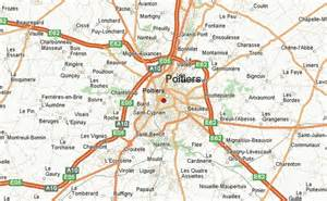 poitiers location guide