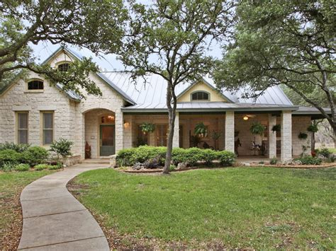 limestone ranch style homes classic hill country