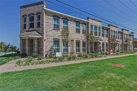 a look at the new uptown townhomes in lewisville tx