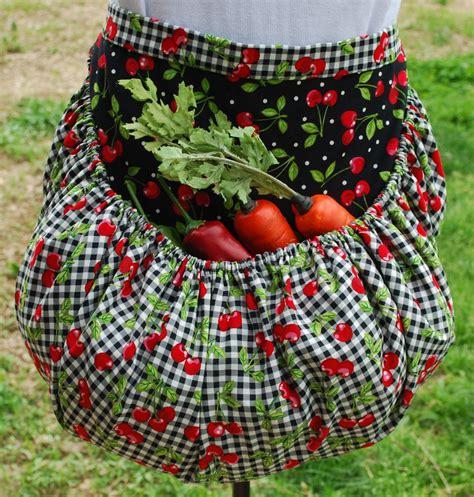 pattern gardening apron garden harvest apron by tumbleweedjunction on etsy