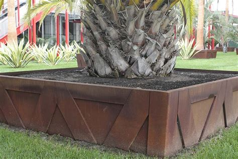 Planter Trees by Tips Of Selecting Tree Planter Box Homesfeed
