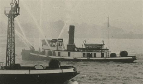 fireboat brooklyn new york fdny historic fireboats