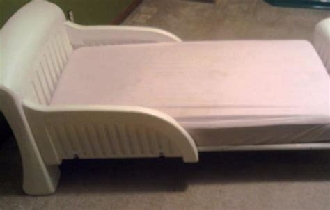 Plastic Bunk Beds White Molded Plastic Toddler Bed Mygreenatl Bunk Beds White Plastic Toddler Bed Costco