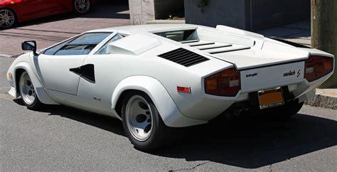 File:1981 Lamborghini Countach LP400S series 2 rear