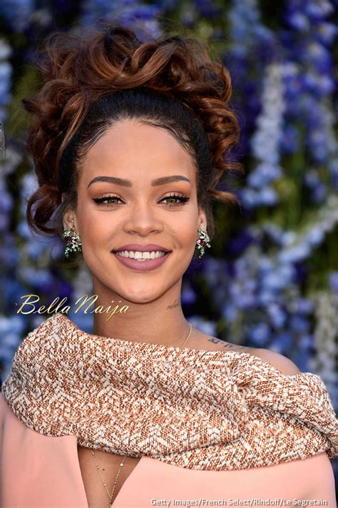 Fienty Rihanna 4 Rihanna Makes A Stunning Appearance At Show At