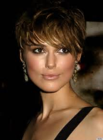 Short wavy hairstyles with bangs for women over 40