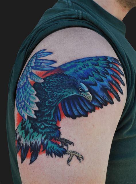 eagle tattoo for shoulder colorful eagle tattoo on shoulder