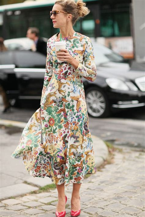 style staple the floral dress trending now el vestido midi la vida de serendipity
