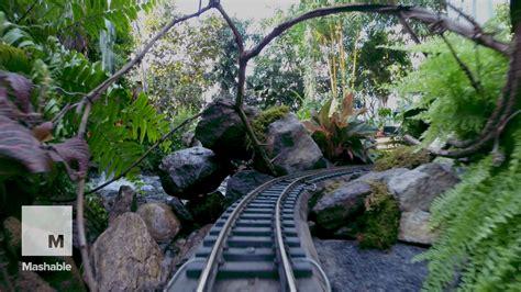 Holiday Train Show Ride Through New York S Botanical Trains Botanical Gardens