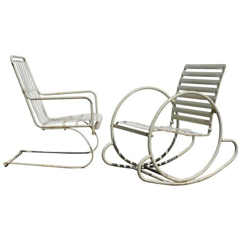 1930s Deco Metal Fan Back Garden Set Table American Deco Streamlined Steel Chairs For Sale At 1stdibs