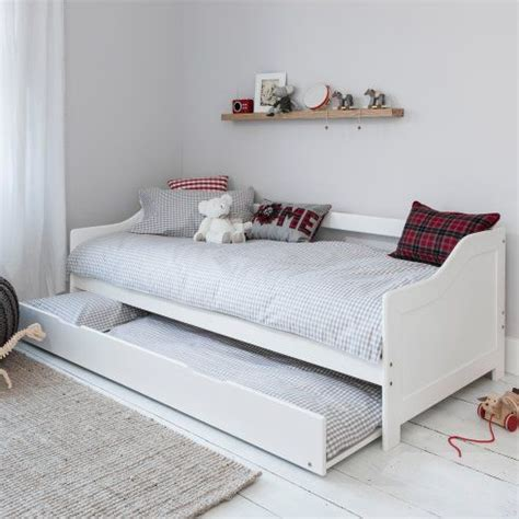 daybed with pull out bed best 25 pull out bed ideas on pinterest pull out