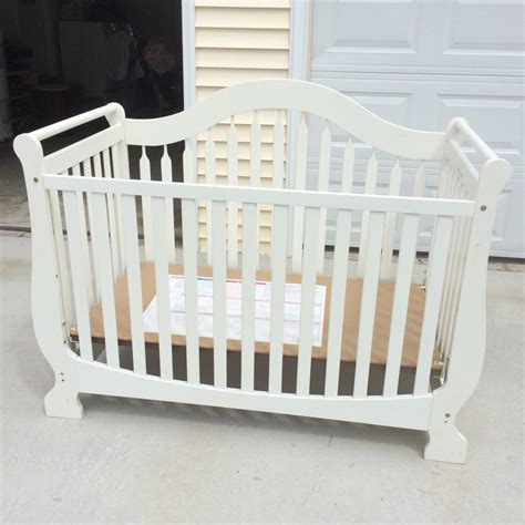 White Wooden Crib Letgo White Wooden Crib In Sc