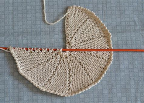 knitting in a circle tutorial how to knit a circle my diy tips