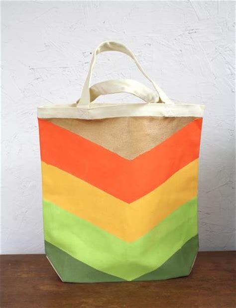 tutorial tote bag canvas diy hand painted chevron canvas tote bag tutorial by