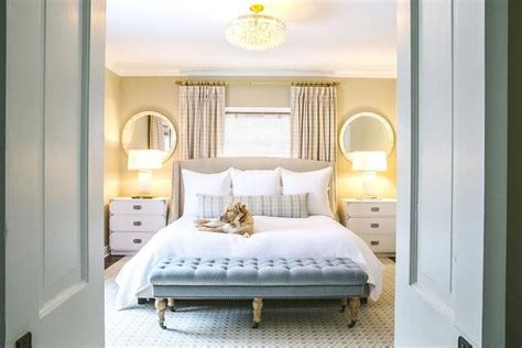 bed under window die besten 17 ideen zu window behind bed auf pinterest