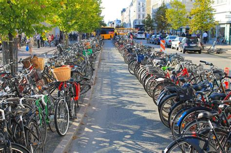 Copenhagen To Queue For Shortcut 4 by Copenhagen Now Suffers From Bicycle Traffic Jams And This