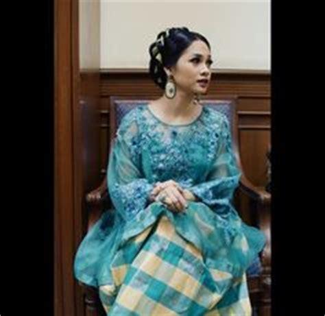 Kupu Kupu Tunic baju bodo modern tradisional adat modern bugis soutsulawesi elaamelia baju bodo