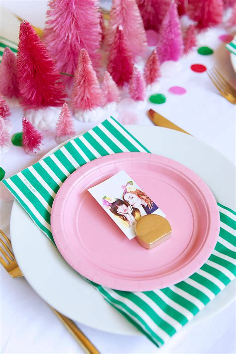 diy picture place card holder tell love and party diy picture place card holder tell love and party