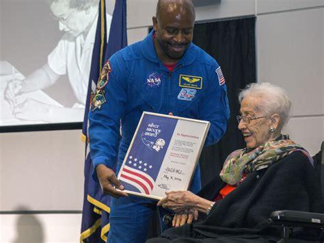 katherine johnson astronaut mathematician katherine johnson at work nasa american