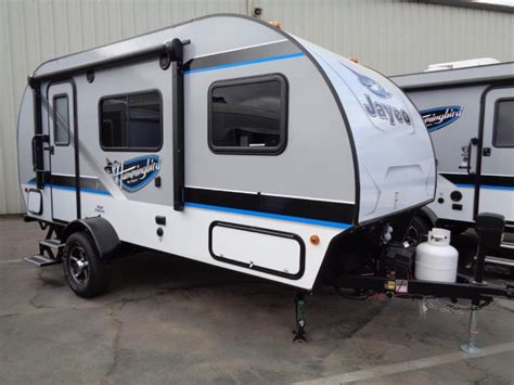 compact lightweight travel trailers make rv cing easy