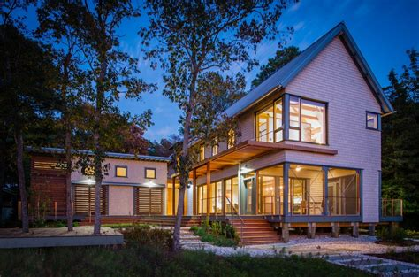five stunning homes take home the aia award for best small house on the intracoastal waterway architect magazine