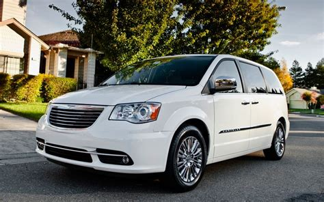 2011 chrysler town country cars journal 2011 chrysler town country