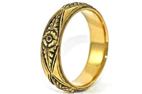 14kt Black and Yellow Gold Hand Engraved Wedding Band