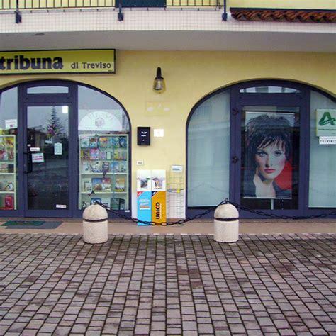 porte per negozi in alluminio vetrate in alluminio per negozi vetrate bussole