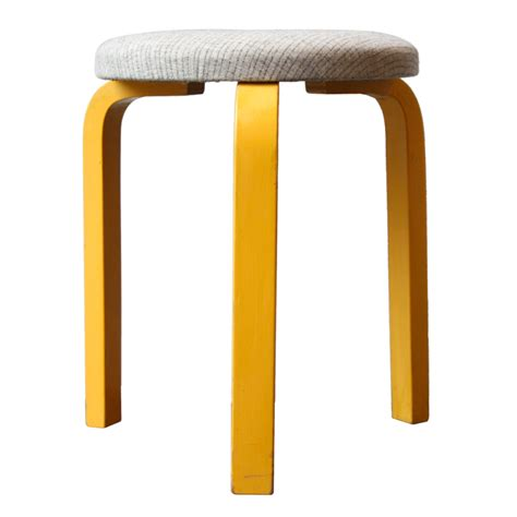 Miniature 3 Legged Stool by Clipart Of A Three Legged Stool Home Garden Design
