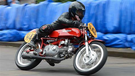 Motorrad Grand Prix Weltmeister by Schottenring Classic Gp 2014 Parade Der Weltmeister