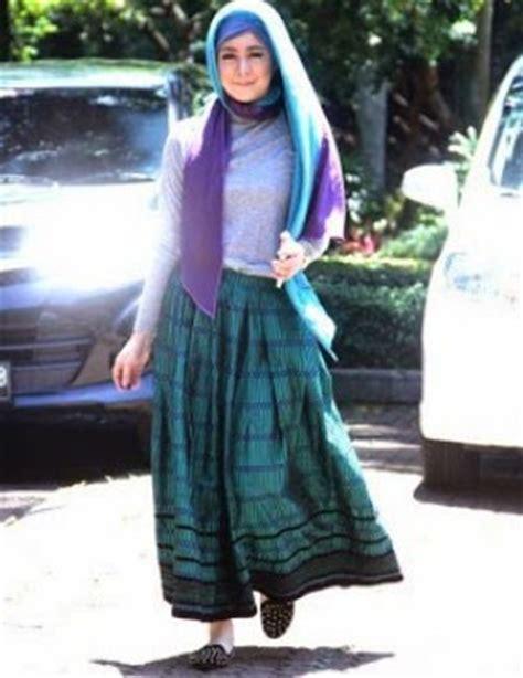 Baju Gamis Risty Tagor 10 contoh model baju muslim artis risty tagor