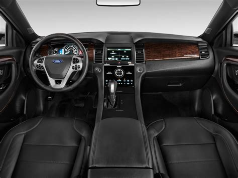 ford taurus ltd fwd 2014 ford taurus 4 door sedan limited fwd dashboard