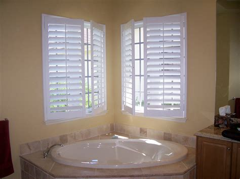 plantation shutters in bathroom plantation shutters