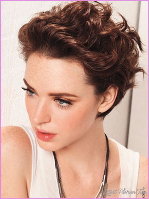new hair styles for curly and thick for women over 55 short haircuts thick curly hair latestfashiontips com