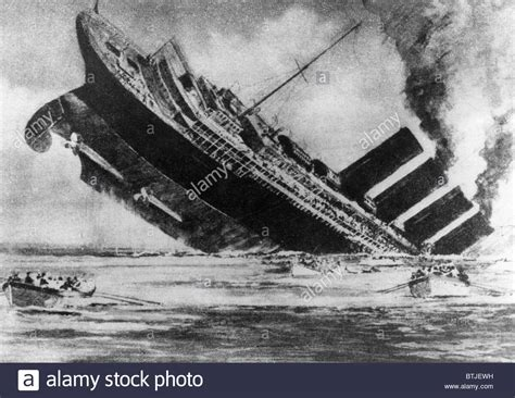 german u boat sinks the lusitania cause and effect the sinking of the ocean liner rms lusitania torpedoed