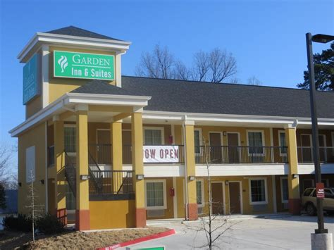 garden inn and suites rock ar booking