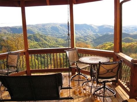 vacation cabin rentals best 25 mountain cabins ideas on small cabins