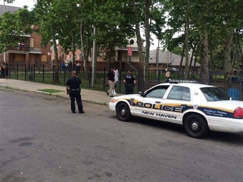 new haven housing court man shot at new haven housing complex